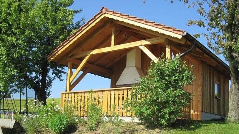 gschwandnerhof-bauernhof-bayerischer-wald-gartenhaus