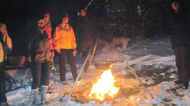 bauernhof-erlebnisse-lagerfeuer-grillen