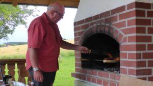 familienbauernhof-grillen-bayerischer-wald